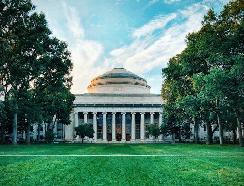 マサチューセッツ工科大学