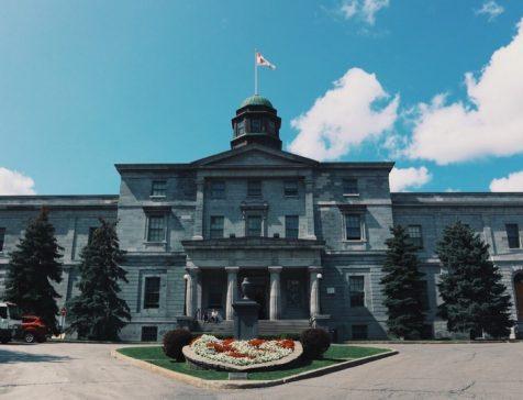 マギル大学